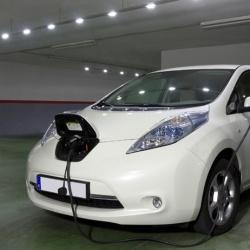 Cargar un coche eléctrico en tu propia casa